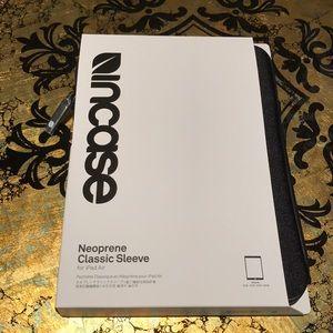 InCase IPad Air Neoprene Classic Sleeve